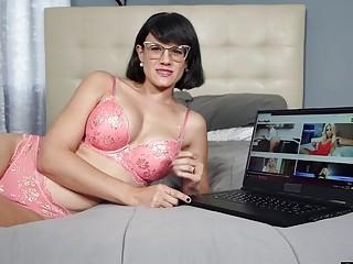 Watching Porn With My Mom Was Weird But Also Enjoyful