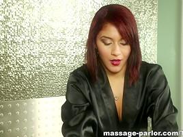 Massage-Parlor: Cum Anytime
