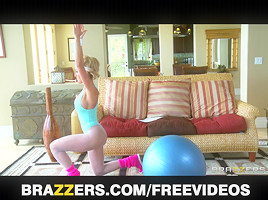 Brazzers -Lewd Large-tit Yoga Mother I'd Like To Fuck Brandi Love Takes Large-jock