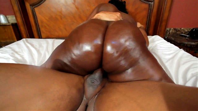 """Ebony With Big Natural Tits And Juicy Ass"""" Data-preview=""""https://tbv.sb-cd.com/6/9/6911294-td.mp4"""