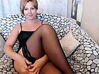 I Chat With Beautiful Blonde Mommy And Secretly Jerk On Her