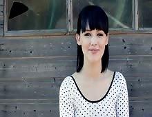 Gorgeous British Suicide Girl Mel