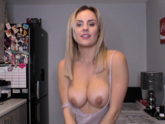 The Perfect Blonde With Perfect Tits Dancing On Downblouse