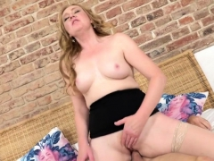 Kinky Mature Angelica Doing Her Toyboy