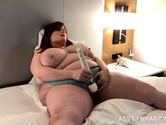 Lonely Mom Fucks Her Pussy Deep With A Dildo