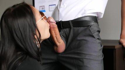 Hermosa Secretaria Su Jefe Le Da Sexo Anal