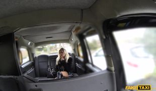 Big Tits Blonde Mom Michelle Thorne Knows How To Get A Free Ride