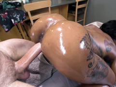 Oiled Sarai Minx Gets Fucked Doggystyle On The Massage Table