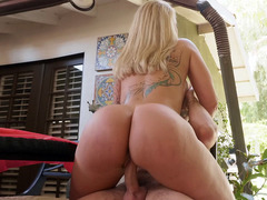 Mom Ryan Conner Shakes Her Big Ass On The Hard Cock