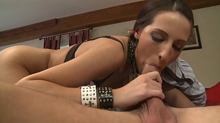 Amazing Babe Gives Head And Gets Plowed