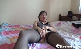 Mature Brunette With Extreme Stockling Plays Herself