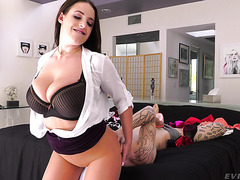 Chunky Mom Angela White Smothers Dude And Gets Hate Fucked In Big Booty