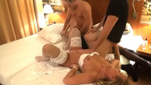 Amateur Swinger At Small Flat