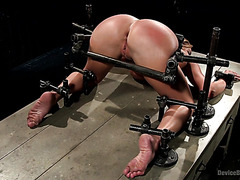 Thicc Slave Richelle Ryan Gets Her Titanic Booty Spanked