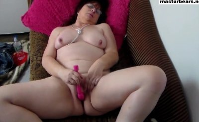 40 Years Old Housewife Fanny Toying On The Couch 6105