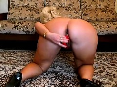 Curvaceous Granny In High Heels Has A Red Toy Pleasing Her Fiery Twat