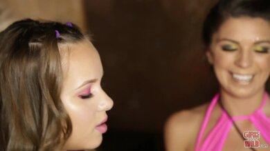 Amateur Cute Teen Lesbian Liza And Olivia Wilder Licks Each Other