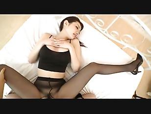 Azumi Mizushima Is A Stunning Japanese Babe