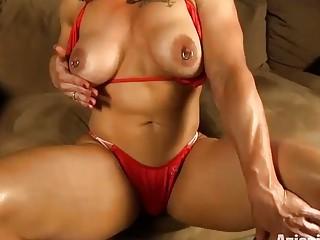 Aziani Iron Brandi Mae Female Bodybuilder With Huge Clit